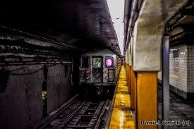7 Train Leaves Hunters Point Avenue