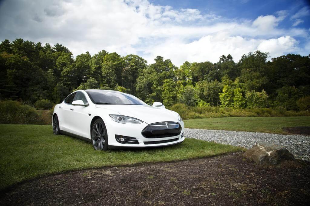 特斯拉的價值創下新高,超越福特