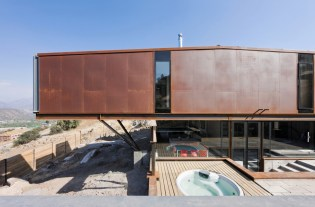 twelve-shipping-containers-combined-into-a-modern-mountain-house-5