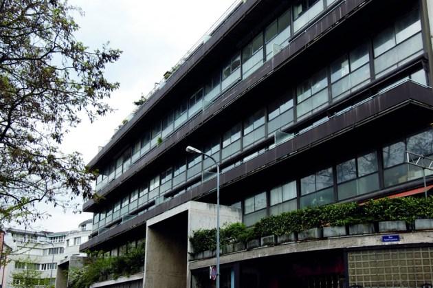 7 Immeuble-Clarte_Geneva-Switzerland_Le-Corbusier_UNESCO_J-J-De-Chambrier_OFC_dezeen_936_0