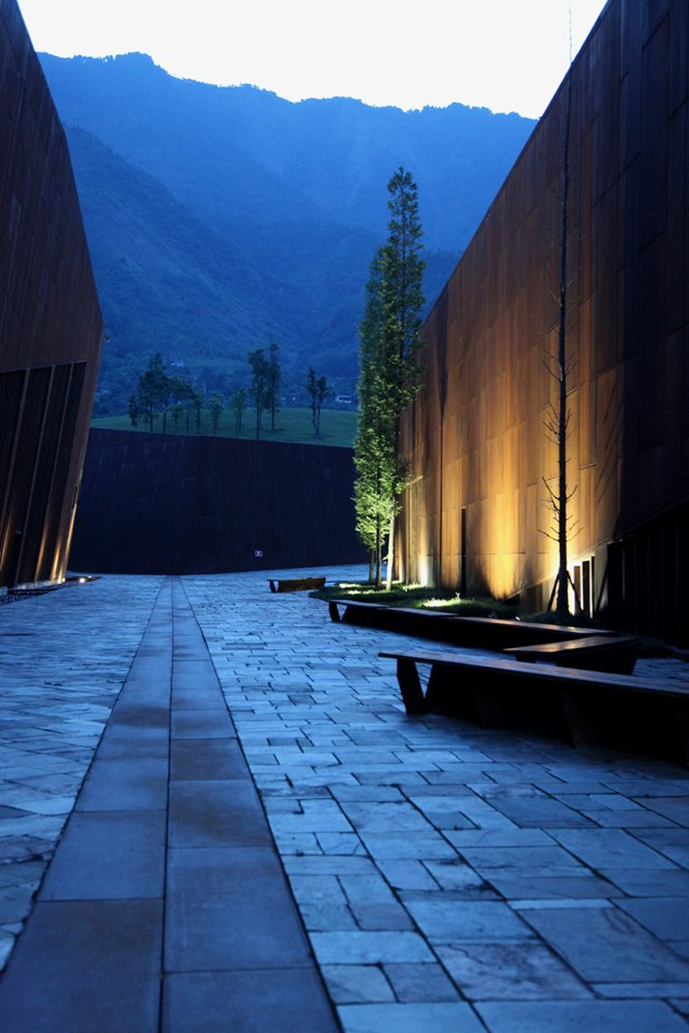 wenchuan-earthquake-memorial-museum-sichuan-china-cai-yongjie-tongji-university-designboom-07