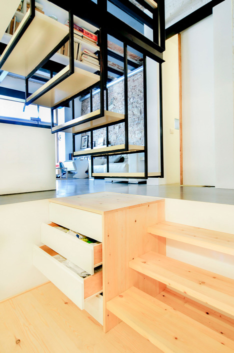 dezeen_renovation-of-an-apartment-in-barcelona-by-carles-enrich_5