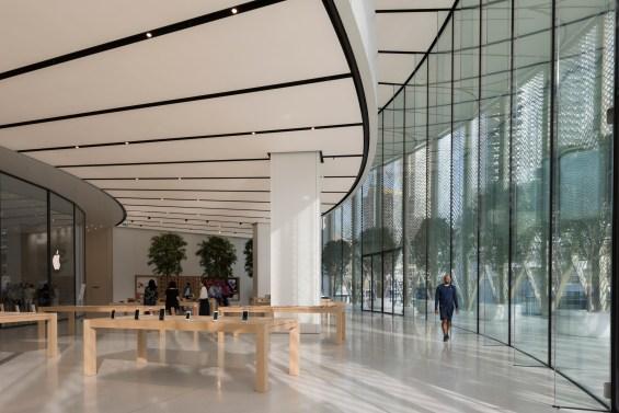 apple dubai mall3