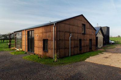 flat-house-uk-practice-architecture-hemp-margent-farm_dezeen_2364_col_4