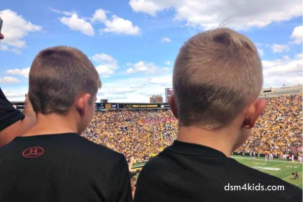 Your Kid Friendly Guide to Kinnick Stadium – dsm4kids.com