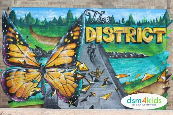 12 of Our Favorite Outdoor Murals 4 Photo Ops in Des Moines – dsm4kids.com