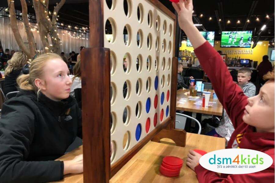 9 Ideas 4 Fun with Teens & Tweens this Winter in Des Moines