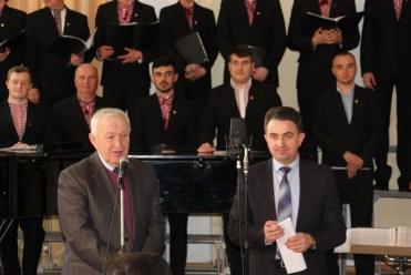 Професор Степан Дацюк та доцент Володимир Шаран вітають колектив із славним ювілеєм