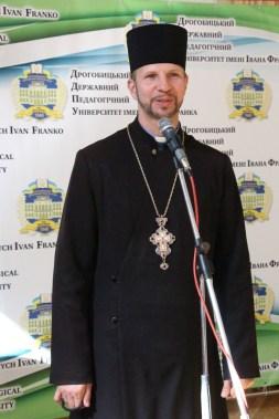 Духовне і вітальне слово виголошує капелан університету отець Олег Кекош