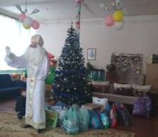 Святий Миколай вiтає дiток