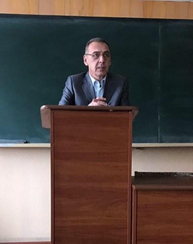 Директор інституту Юрiй Галь