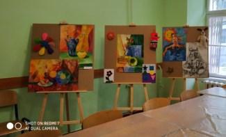 Роботи студентів спеціальності «Соціальна педагогіка» (експозиція в кабінеті арт-педагогіки та арт-терапії)