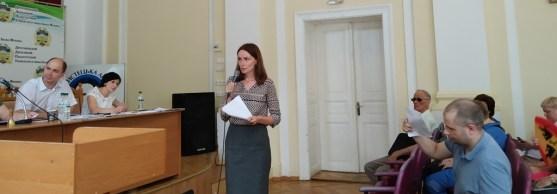 Звітує начальник відділу міжнародних зв'язків Лідія Романик