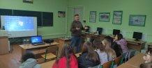 Олександр Лемешко проводить зустрiч з учнями Добромiльскої НВК