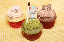 Duffy, ShellieMay and Gelatoni-themed cupcakes ©Disney