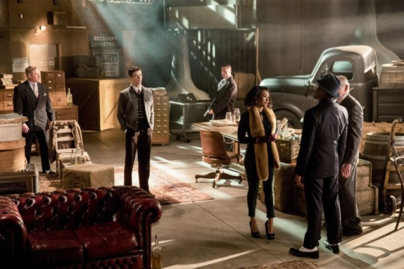The Flash review, 3x17, S3 Ep 17, Grant Gustin, Melissa Benoist, Supergirl, #SuperFlash, musical episode, David Taylor iI, DT2ComicsChat