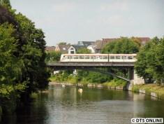 Ein paar Gehminuten von der Kellinghusenstraße befindet sich die hier im Bild befindliche Leinpfad-Brücke.