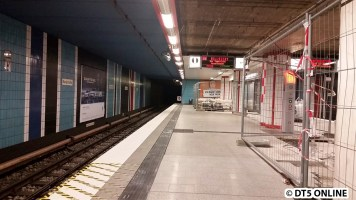 Die Bahnsteigverengung ist abgebaut.
