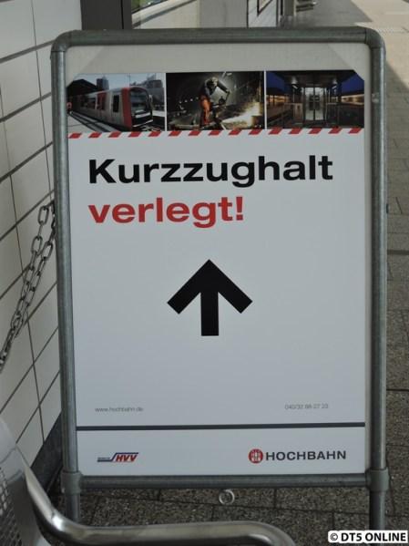 """Zu guter Letzt: Das Schild """"Kurzzughalt verlegt!"""" wurde auch aufgestellt."""