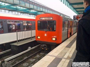 Der Zug fährt aus und wird nach Billstedt gebracht.