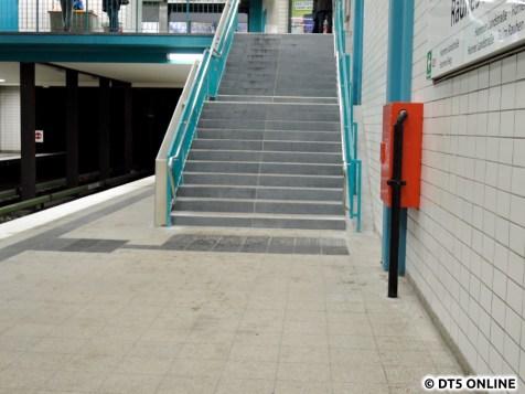 Anfang des Monats wurde diese Treppe für eine Woche gesperrt und erneuert.