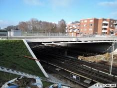 Am Öjendorfer Weg scheint die Brücke bald freigegeben zu werden. Eine Frage von wenigen Wochen.