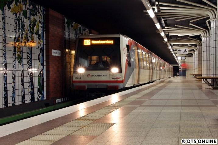 Nach Mümmelmannsberg ging es zur Eröffnung bereits, nicht aber für die U2. Sie fuhr bis 2009 nach Wandsbek-Gartenstadt