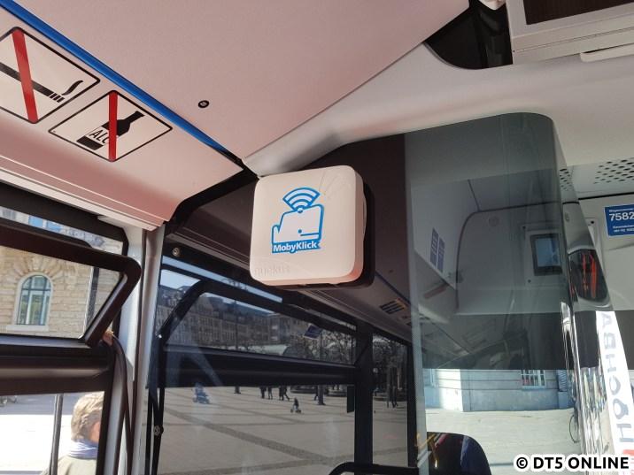 Der WLAN-Router hängt vorn im Fahrzeug und ist mit dem LTE-Netz verbunden