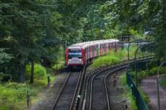Andere Fahrtrichtung, der Zug hat gerade Volksdorf verlassen