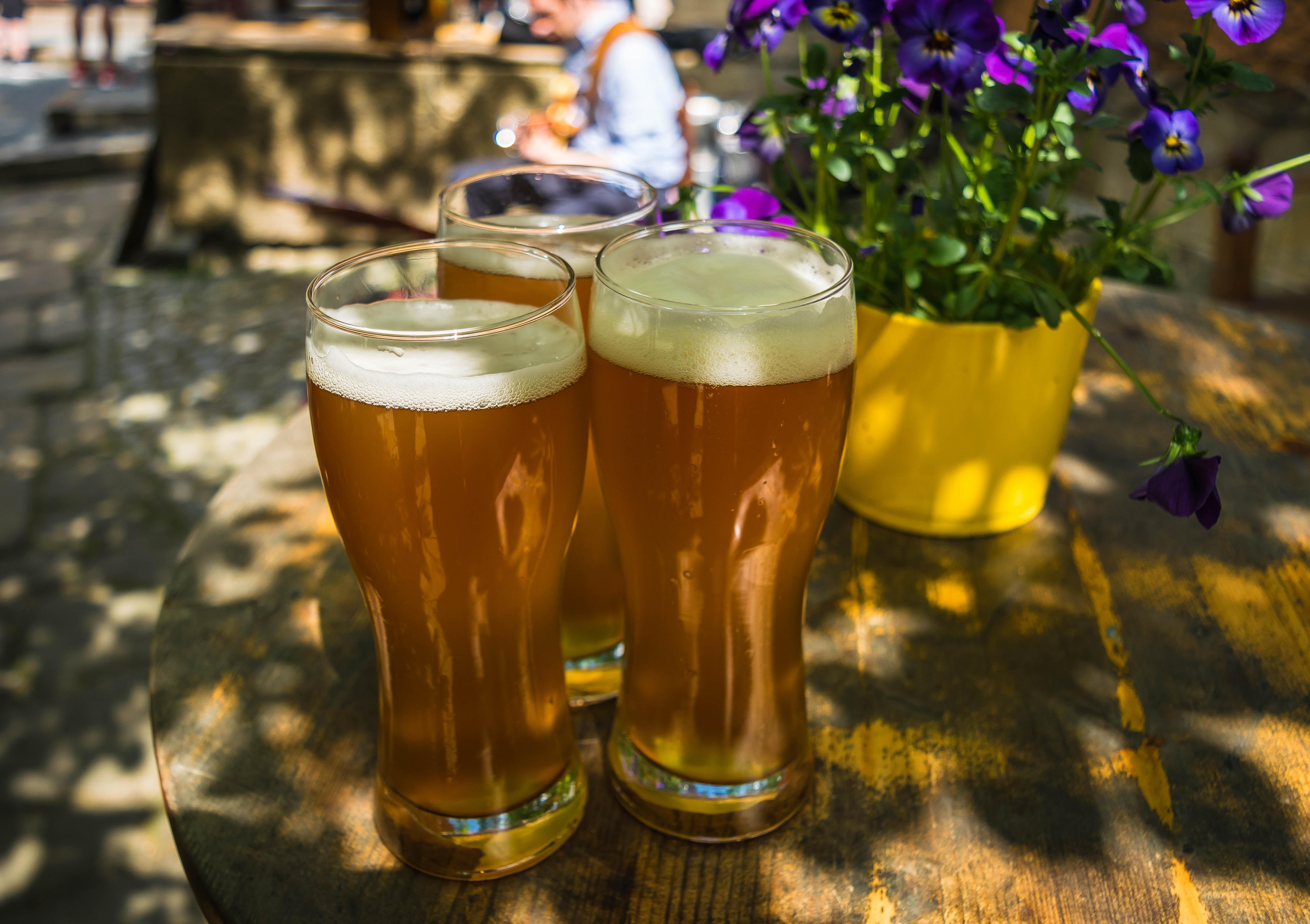 Tres cervezas juntas