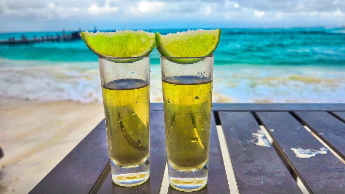 Chupitos de Tequila con Limon