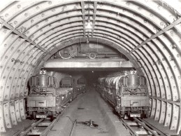 Post-Office-underground-railway-train-waiting-at-loop-crossing-1935