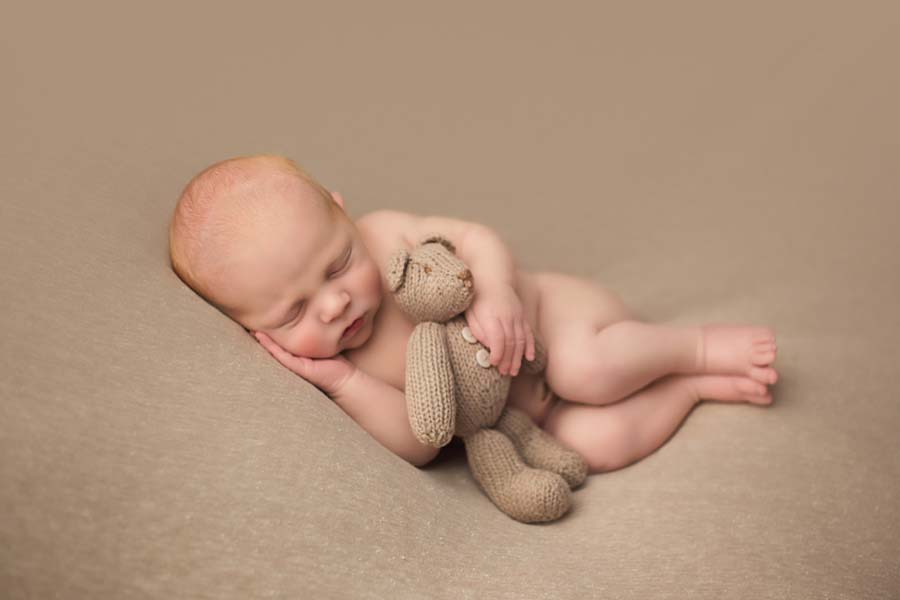 Newborn photographer for Renfrewshire, Paisley and Glasgow baby with bear