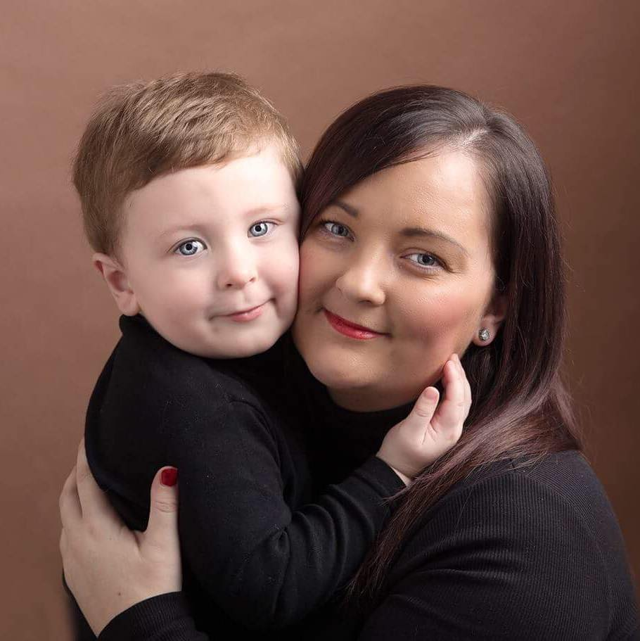renfrewshire photograher - Danya with her son