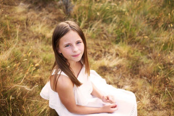 Family Photographer Glasgow - girl sitting on grass