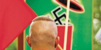 """""""Ausländerfeindlichkeit wird von Medien und Politik geschürt"""""""