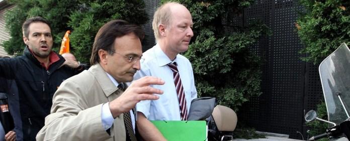 Demonstranten greifen deutschen Konsul an