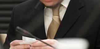 """Breivik rät """"lieber Schwester Beate"""" zur Propaganda"""