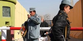 Als Polizistin gekleidete Frau erschießt Nato-Mitarbeiter in Kabul