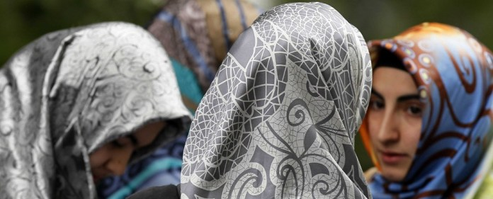 IGMG: Auch die Kopftuchverbote müssen aufgehoben werden