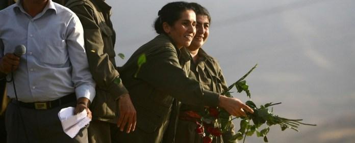 """Experten warnen davor, dass die Frauen durch die PKK niemals """"befreit"""" werden, sondern letztlich in die Berge gelockt und in die eigene PKK-Hierarchie eingebunden würden. (zaman)"""