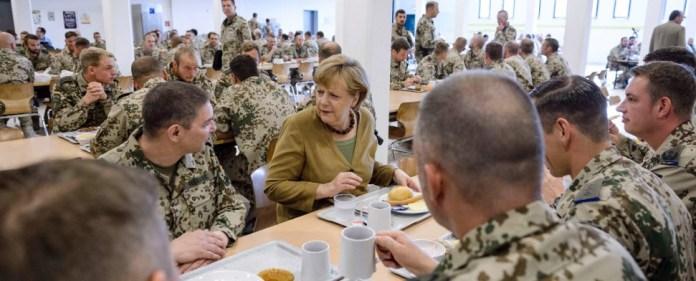 Afghanistan: Merkel zollt Gefallenen Respekt