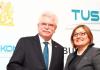 Der bayerische Wirtschaftsminister Martin Zeil besuchte im März dieses Jahres die Türkei und kam dort u.a. mit Vertretern der Unternehmervereinigung TUSKON zusammen.