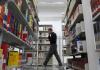 In der Bibliothek - Ein Mann