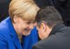 Bundeskanzlerin Angela Merkel (CDU) spricht am 22.10.2013 bei der konstituierenden Sitzung des Bundestags im Reichstagsgebäude in Berlin mit dem SPD-Bundesvorsitzenden Sigmar Gabriel (r). - dpa