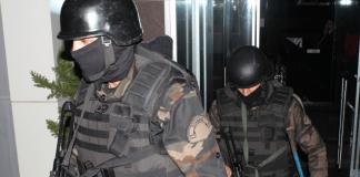 Türkische Sicherheitskräfte sind mit Razzien gegen mutmaßliche al-Qaida-Mitglieder vorgegangen. Dabei wurden 16 Verdächtige festgenommen.