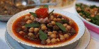 Eine Vielfalt an anatolischen Gerichten.