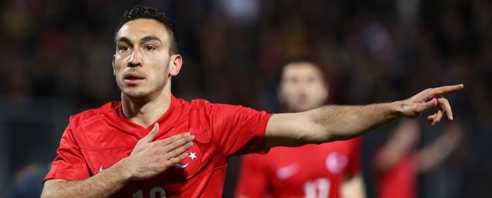 Unter den türkischen Nationalspielern befinden sich einige Legionäre, die in den Topligen Europas spielen. Doch wie präsentieren sich die türkischen Stars?