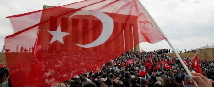 """Um die Ereignisse in der Türkei zu verstehen, muss man deren politische Kultur bzw. das Staatsverständnis in der """"defekten"""" Demokratie Türkei kennen."""
