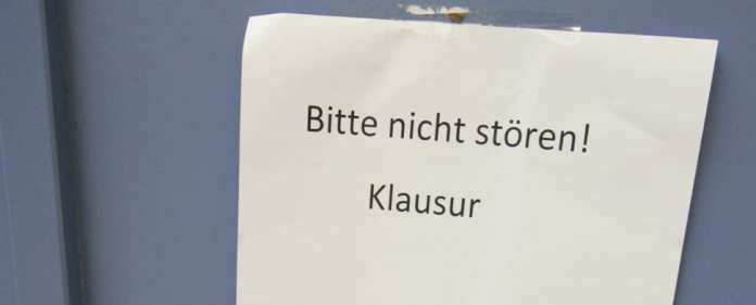 Juristen gelten als unbestechlich, doch in Niedersachsen soll ein Richter Klausurlösungen regelrecht verkauft haben. Er flog auf und das hat Folgen.